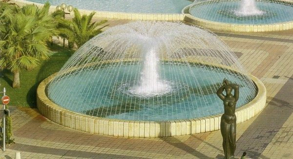 Oase-Comet-Fountain-Nozzles-Display